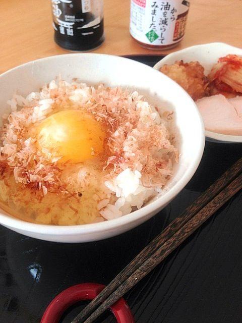 なんやかんやで2時半のお昼ご飯。簡単でも美味しい♪ - 19件のもぐもぐ - 卵かけご飯 by ekianti