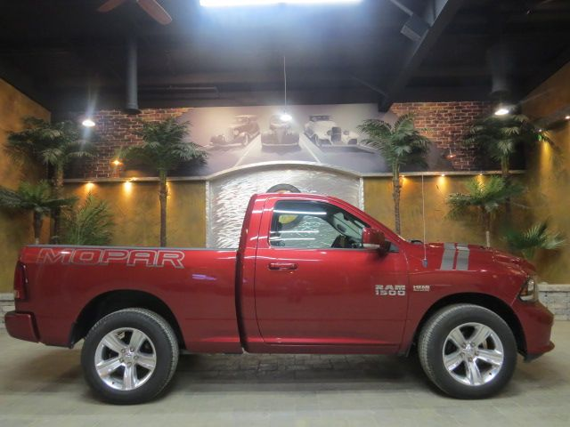 2013 Dodge Ram 1500 ** HEMI MOPAR / RARE SHORTY ** 33 k !! #Winnipeg #Manitoba #Dodge