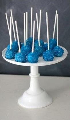 Sparkling blue cake-pops - © The caketress