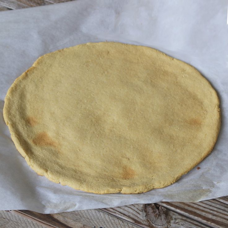 Autoimmune Protocol Flatbread and Pizza Crust: •3 tbsp olive oil •3 tbsp water •1/3 cup arrowroot flour •1/3 cup coconut four •1/2 tsp baking soda •1/4 tsp salt •1 1/2 tsp lemon juice •1 gelatin egg substitute