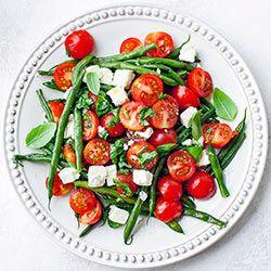 Fasolka szparagowa z pomidorkami i fetą