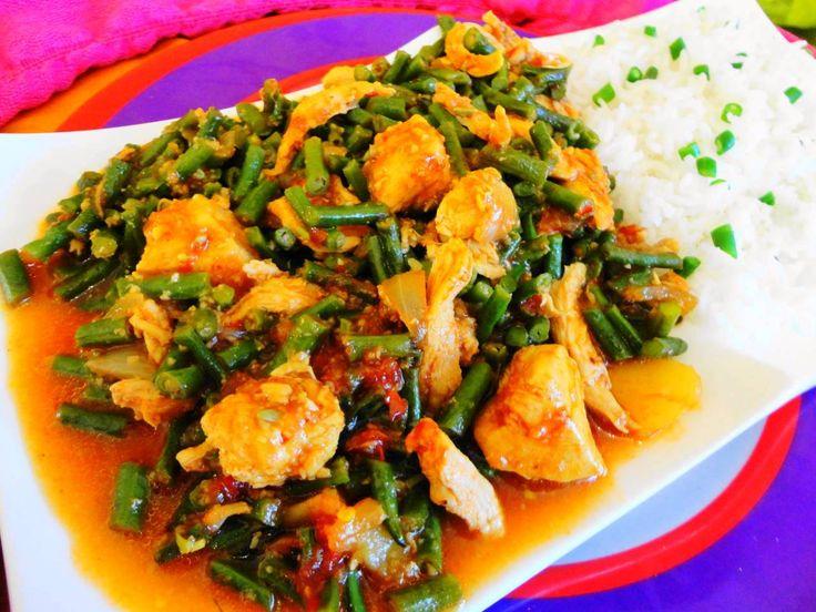 Feestelijk Surinaams eten (Kousenband Murgie (kousenband met kip)): inspiratie voor een prachtige menukaart /Inspiration:  Surinam food tastes good and looks good on a festive invitation