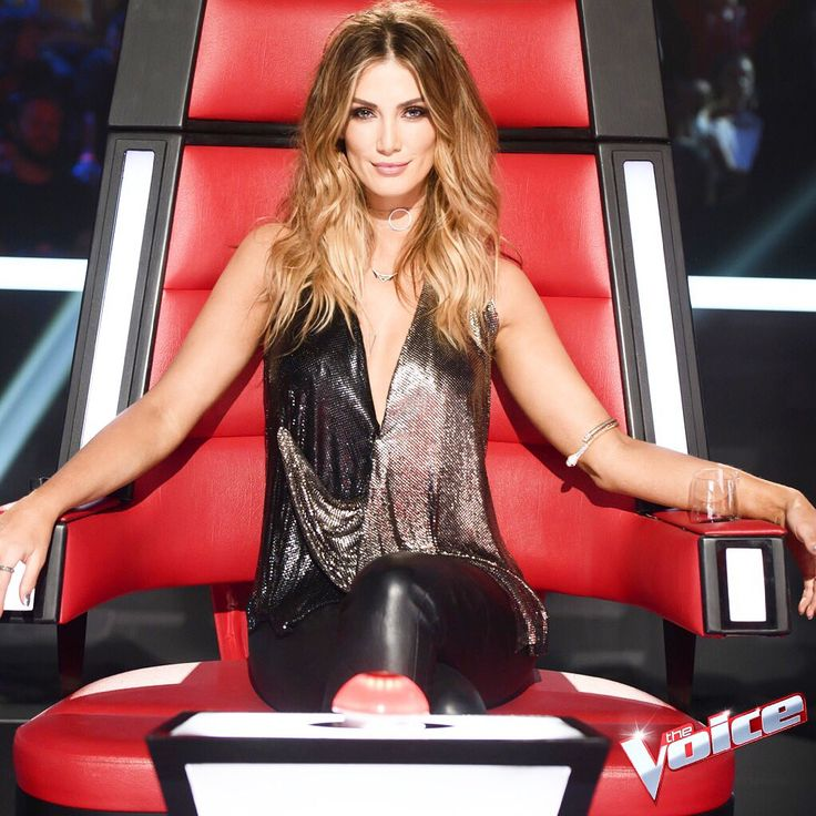 "Delta Goodrem on Twitter: ""✌🏼#TheVoiceAU 2017. Let's go #TeamDelta xoxox Head over to  https://t.co/AFQIrNTMf4 to #GetTheLook 👠💃💋 https://t.co/1a7ohKGVfZ"""