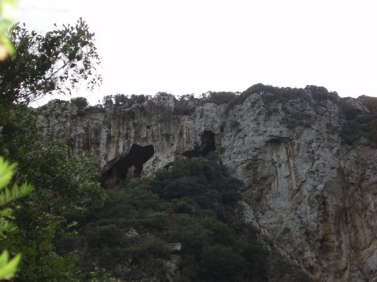 The gorge of Tsakonas is located between the villages Mitata and Viaradika, in the center of the island. Inside the canyon are hidden churches carved in the rocks and two springs, one for each village. After several miles and branches the gorge leads to the area of Palaiopolis.