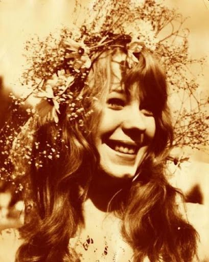 Love in her eyes, flowers in her hair  Pamela Des Barres, world famous hippie and groupie