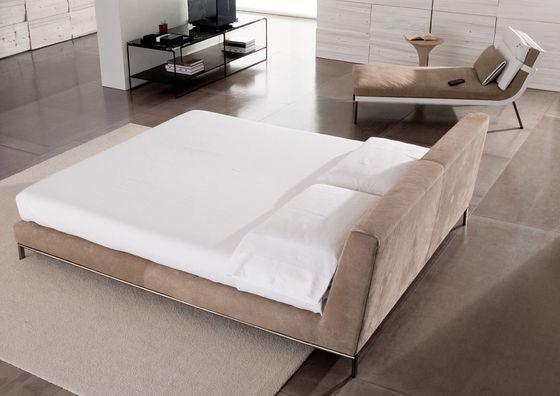 Produkt: Wyman Bed Hersteller: Minotti  Designer: Rodolfo Dordoni