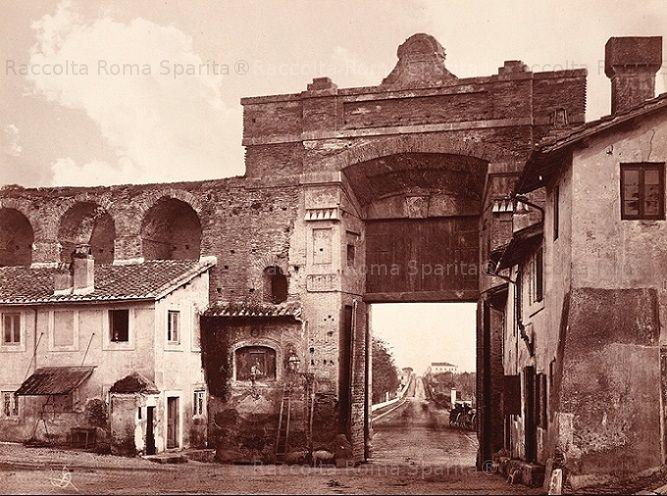 Porta San Giovanni, visuale verso via Appia Nuova Anno: 1868 ca.
