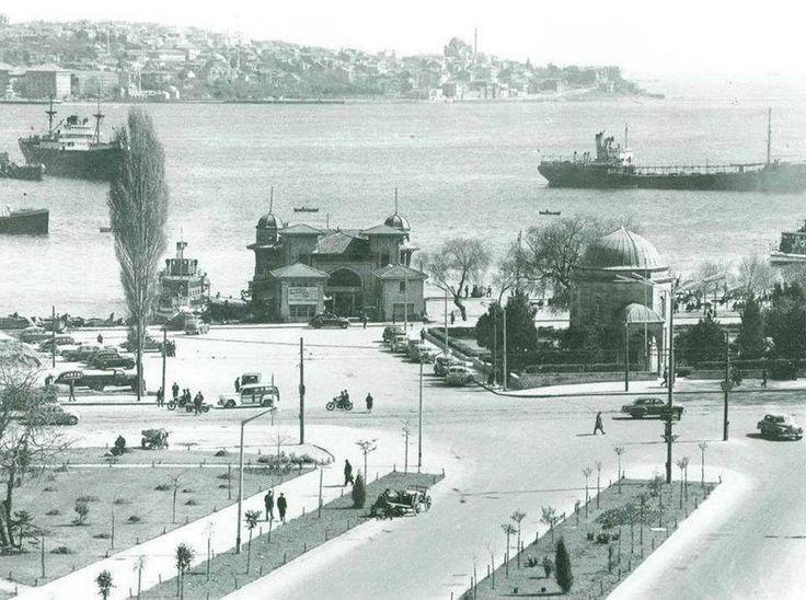 1960'lı yıllarda Barbaros Bulvarından Beşiktaş İskelesi ve Üsküdar'a bakış. #İstanbul #Barbaros #Beşiktaş