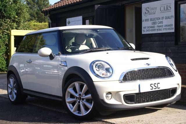 Mini Hatchback 1.6 Cooper S 3dr Auto Hatchback Petrol Pepper White. Click here for more details http://www.simonshieldcars.co.uk/used/mini/hatchback/16-cooper-s-3dr-auto/ipswich/suffolk/15573906 #mini #bmw #usedcar #highspec #suffolk #leather