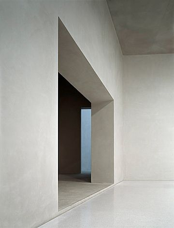 Division between 2 spaces inside the Kolumba museum by Peter Zumthor. Photo by Walter Mair.