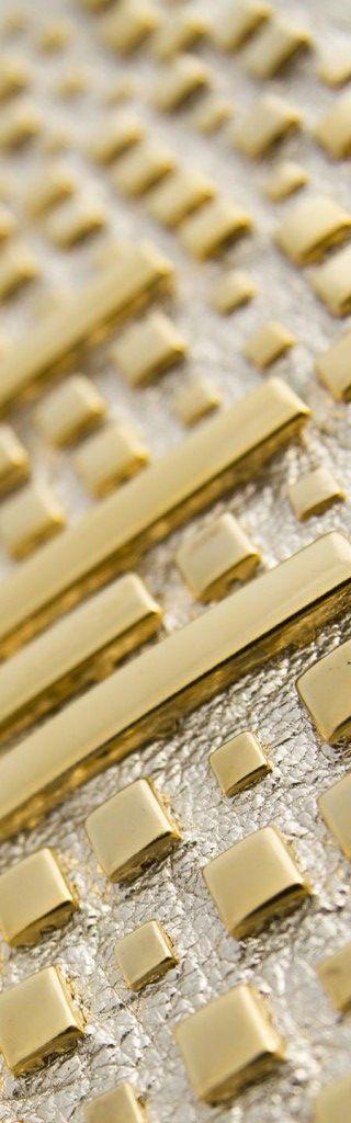 Borchie Griffe - Borchie graffate gold tono su tono