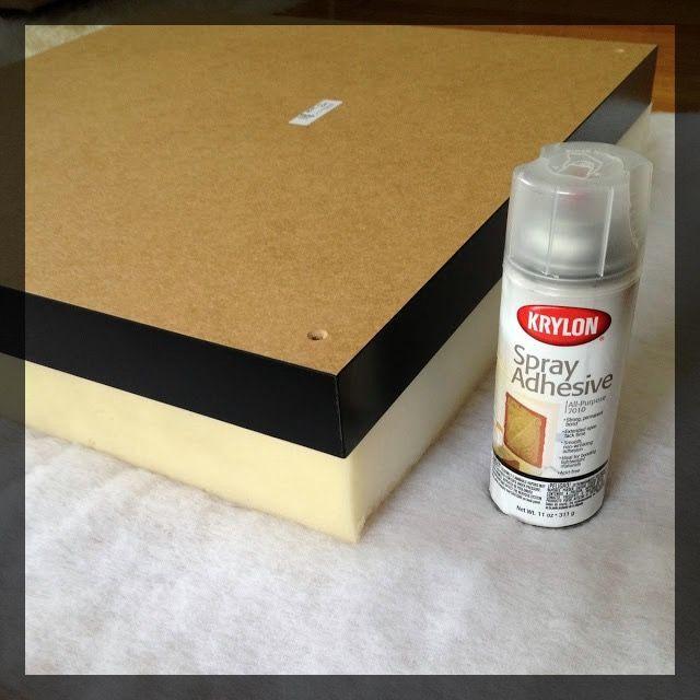 Transformer une table basse IKEA LACK en un pouf. clemaroundthecorner.com tuto.