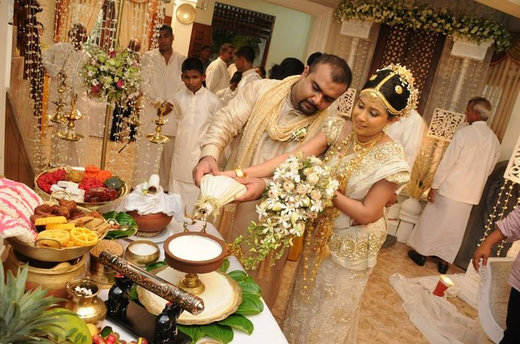 Engagement Cake Designs Sri Lanka : sri lankan traditional wedding kiribath table Sri Lanka ...