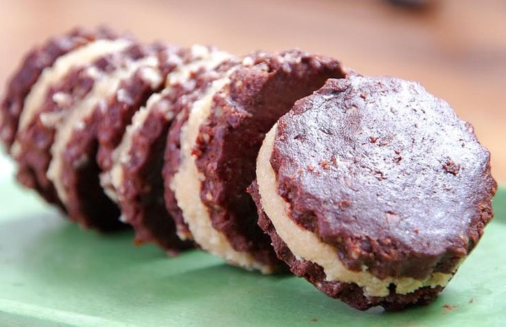 Σπιτικά μπισκότα Oreo χωρίς ζάχαρη, γλουτένη και ψήσιμο-υγιεινά και γρήγορα!