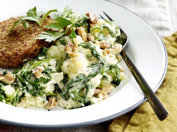 Spinaziestoemp met walnoten en groenteburger - Libelle Lekker!