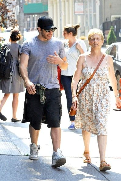 Actor Jake Gyllenhaal gets a visit from mom Naomi Foner Gyllenhaal on the set of his new film in New York City where the actor still made time to show his screenwriter mom around.