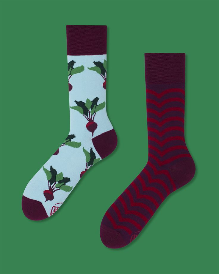 Beetroots - socks by many mornings