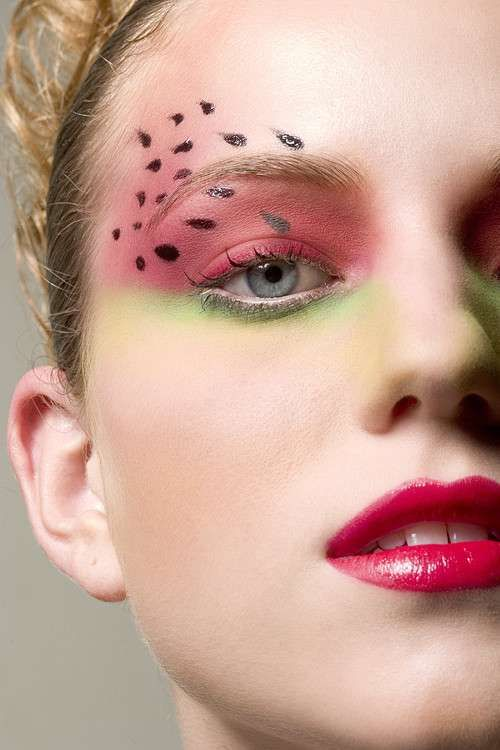Pink Lips and watermelon eyeart. How cute! great for halloween or just for fun! #thatsit @thatsitfruit #fruitbeauty