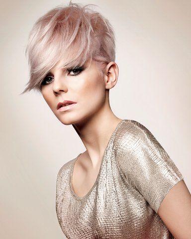 Ben jij niet bang om te spelen met kleur? Korte kapsels met roze kleuren! Heb jij het lef ervoor?