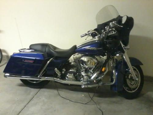 2006 Harley Davidson Street Glide for sale by owner on Calling all Cars. http://www.cacars.com/Motorcycle//Harley_Davidson/Street_Glide/2006_Harley%20Davidson_Street%20Glide_for_sale_1007149.html
