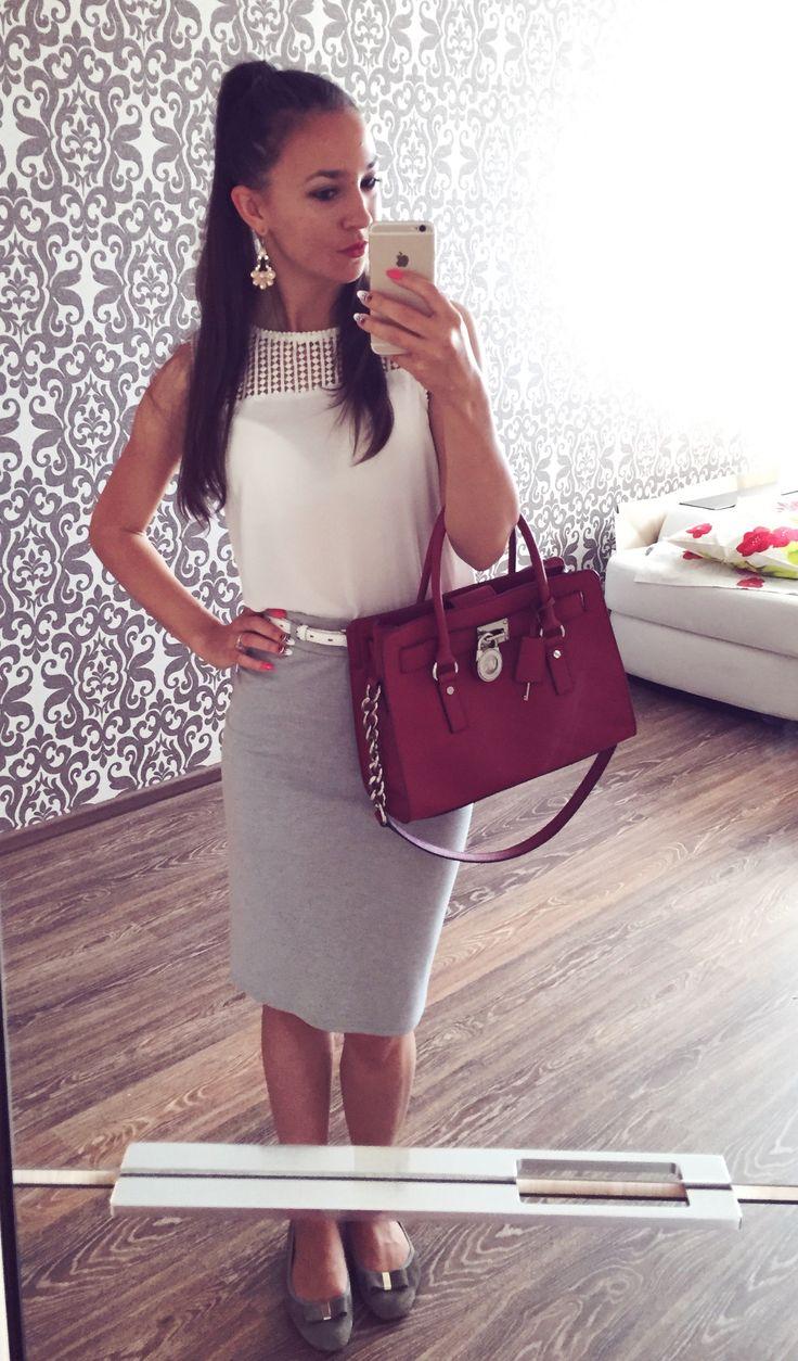Midi gray pencil skirt and white top | Skirt - chinese market, Top - Stradivarius, Handbag - Michael Kors, Shoes - Tervolina, Belt - Forever 21 | Elegant formal outfit