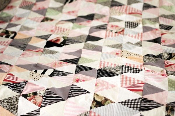 Lapptäcke av trianglar, från Le petit chien #quilts
