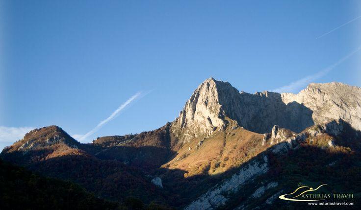 fotografía del Tiatordos, montaña situada en el Parque Natural de Ponga en la zona oriental de Asturias.