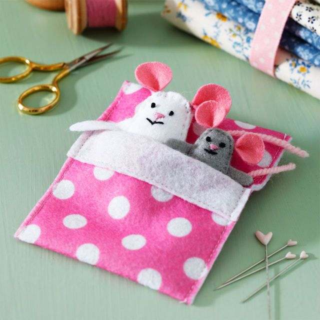 easy felt craft ideas make these sweet felt mice for to play 4354