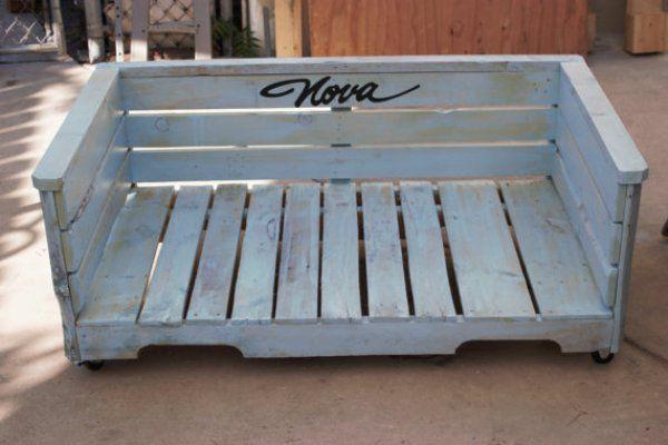 DIY Wooden Pallet Dog Bed | EASY DIY and CRAFTS