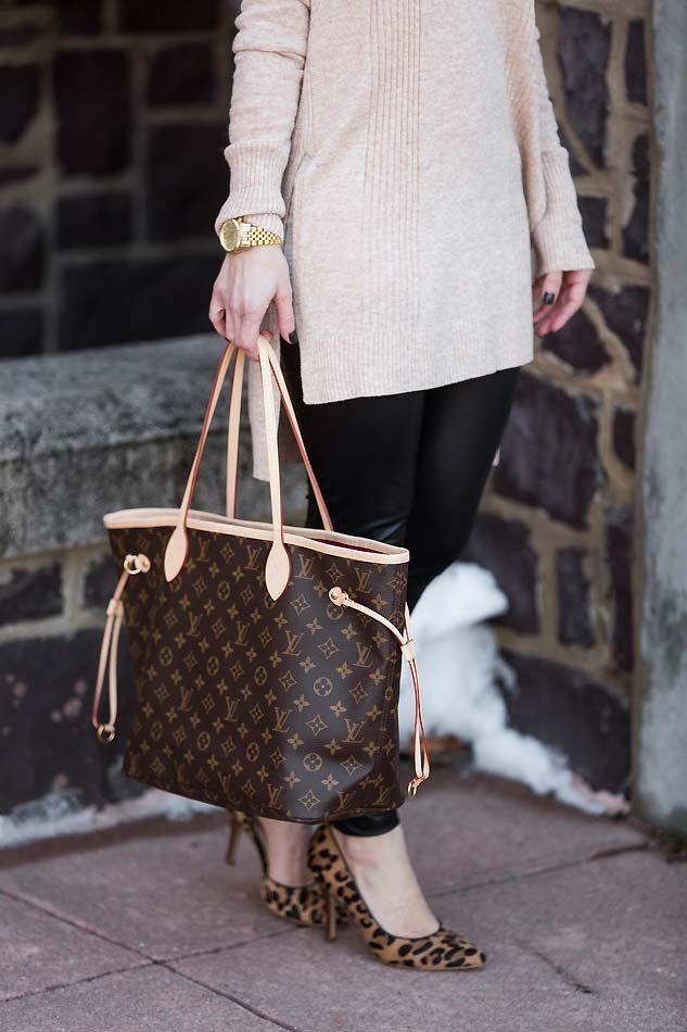 Adorable fall/winter outfit with a Louis Vuitton Neverfull MM