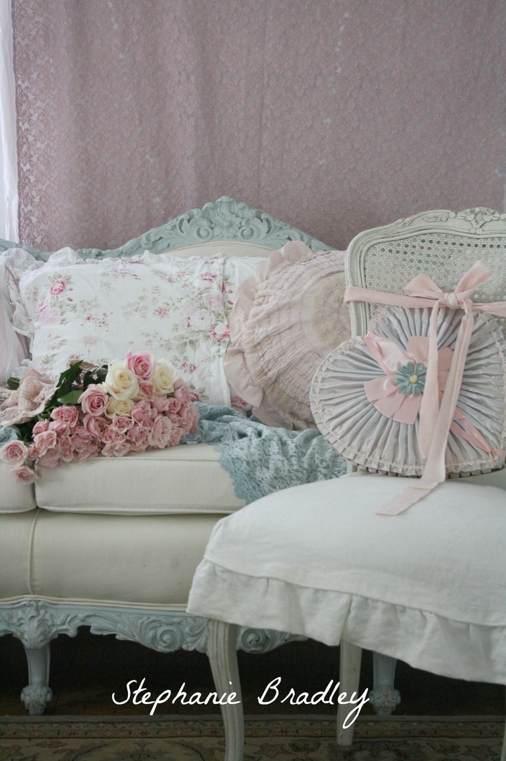 Best 25 Shabby Chic Sofa Ideas On Pinterest Shabby Chic