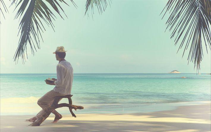 Hämta bilder Tropiska öar, resor, koncept, ocean, sommarlov, en man på stranden