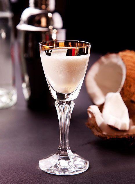 Osvěžující jemný likér s kokosem;Mona Martinů