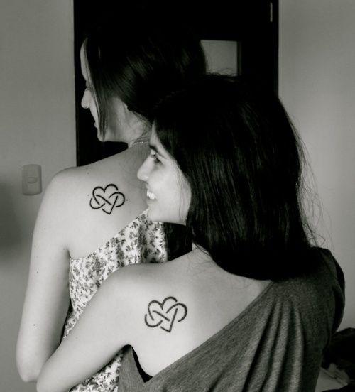 Les 10 meilleures images du tableau tatouages m re fille sur pinterest id es de tatouages - Tatouage amour eternel ...