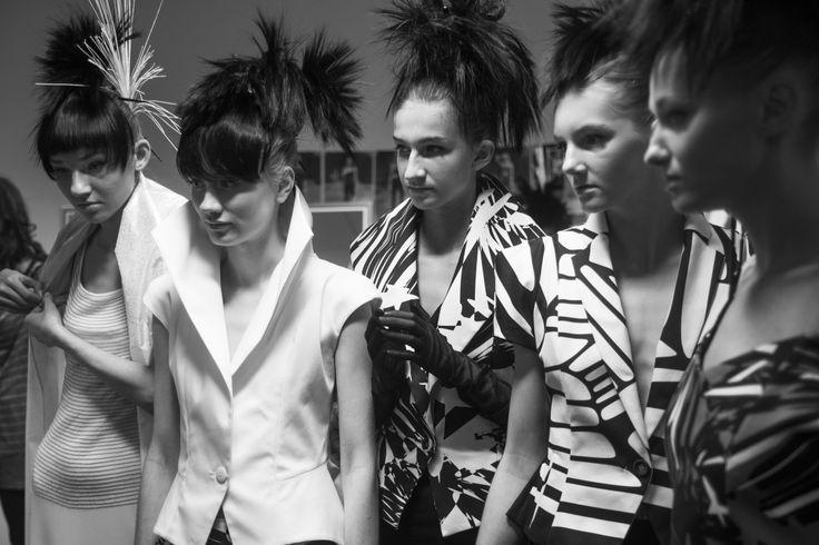 JUNKO KOSHINO, 9. FashionPhilosophy Fashion Week Poland, fot. Karolina Grabowska #backstage #fashionshow #fashionweekpoland #fashionphotography #fashionphilosophy
