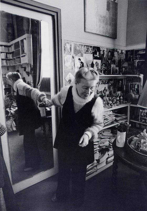Simone de Beauvoir in her apartment, Paris (1978). Photo: Barbara Klemm  #LeDeuxièmeSexe #TEDxceWomen