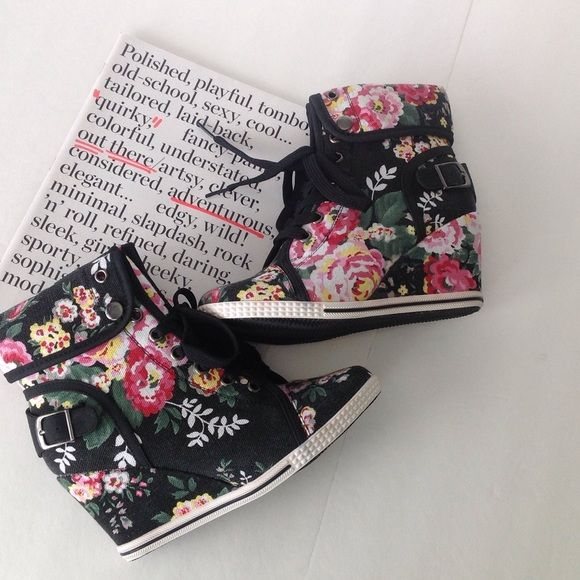 """‼️Price Drop‼️ Floral Wedge Sneakers New!!! Lace up and side buckle detail. Black with pink floral print fabric. Wedge 3"""" total height 7.5"""". Make me an offer Shoes Wedges"""