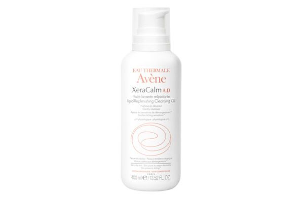 Formulated with soothing oils and Thermal Spring Water, the Avene Xeracalm Oil effectively yet gently cleanses dry, eczema-prone skins without causing irritation.