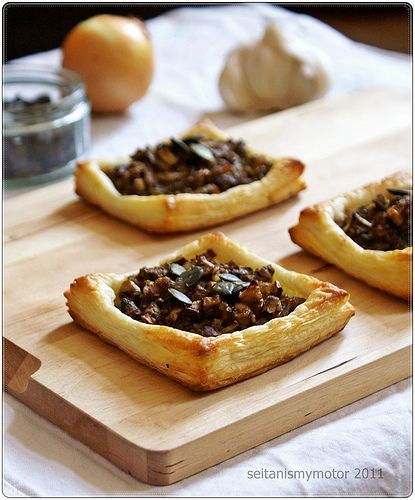 vegan mushroom puff pastry bites If I were going to use puff