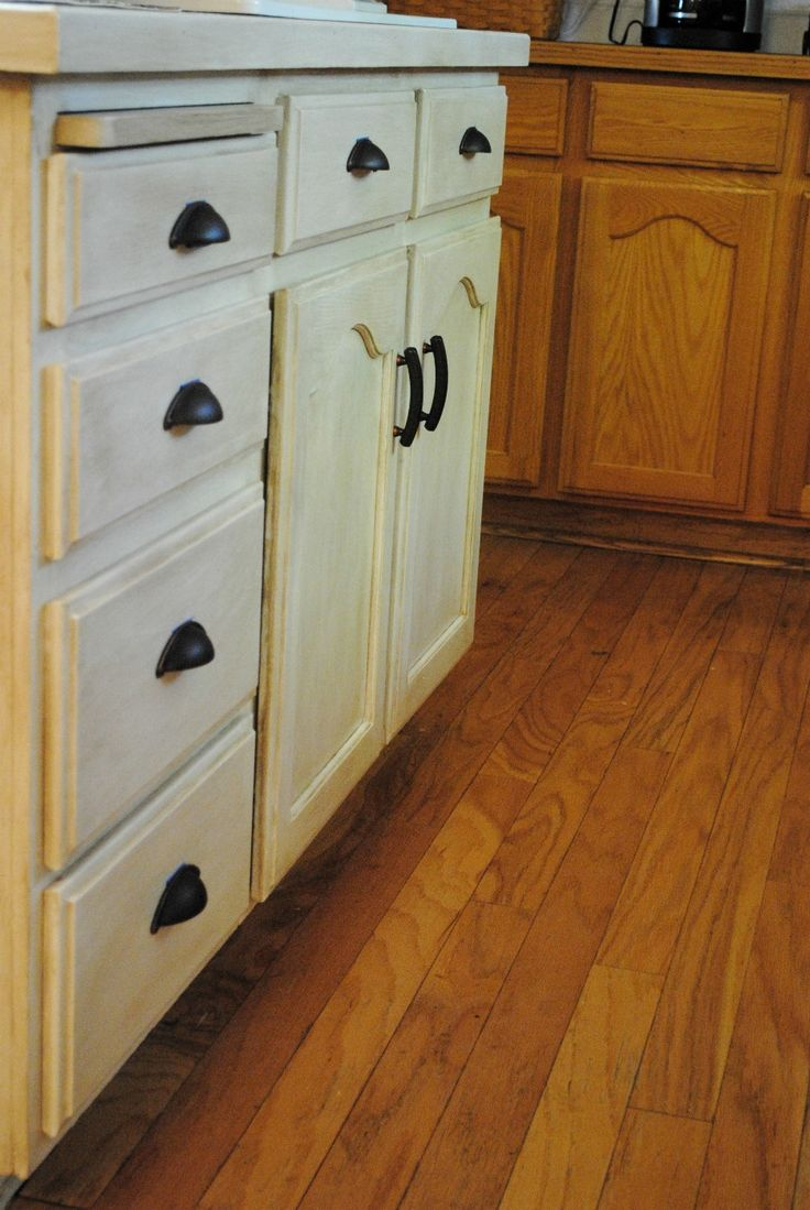 57 best painted kitchen cabinets images on pinterest painted thinking this might be the answer to our ugly cabinets love love love handles must have in kitchen cabinet transformations
