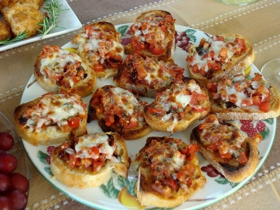 Double tomato Bruschetta | Vegetarian Dishes and Sides | Pinterest