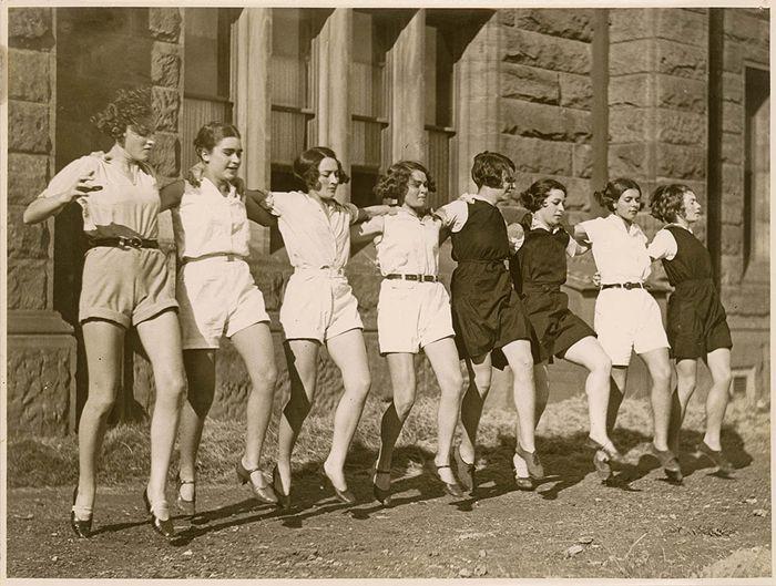 Kick up your heels, ladies!: Sam Hood, 1930S, Vintage Photos, Style, Hoods, 1930 S, Girl Dancing, Photography