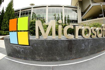 Microsoft прекратила поставки платформы Windows 8 ритейлерам