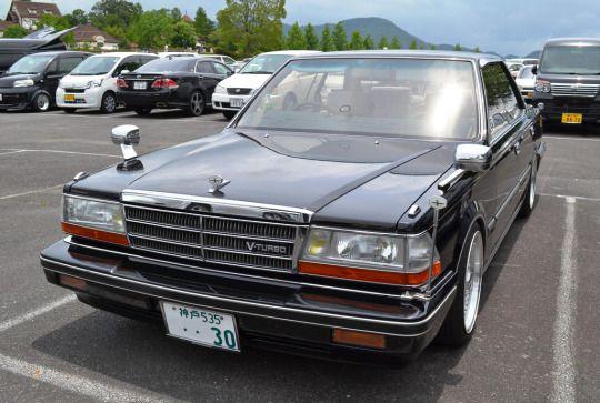Nissan Gloria V20 Turbo