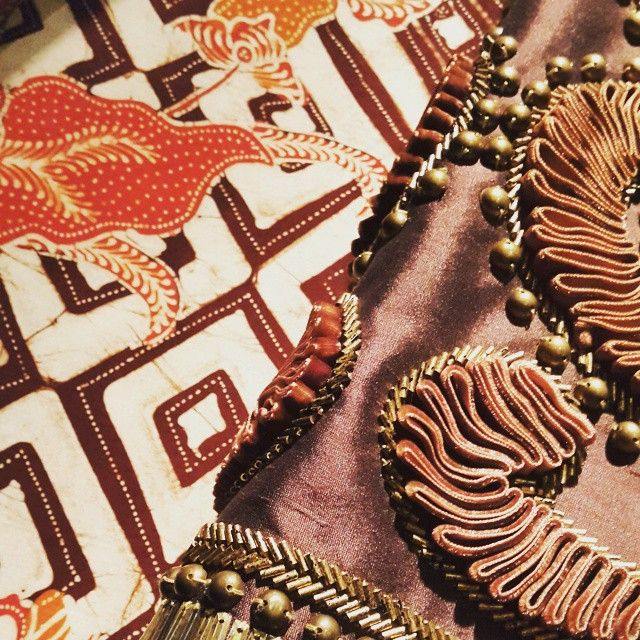 #BatikKudus meets #dennywirawan signature #details for #BaliJava upcoming collection #pasarmalamDW #IndonesiaKaya #BaktiBudaya #DjarumFoundation #batik #kudus #heritage #pattern #textiles #designer #emblishment #fashion