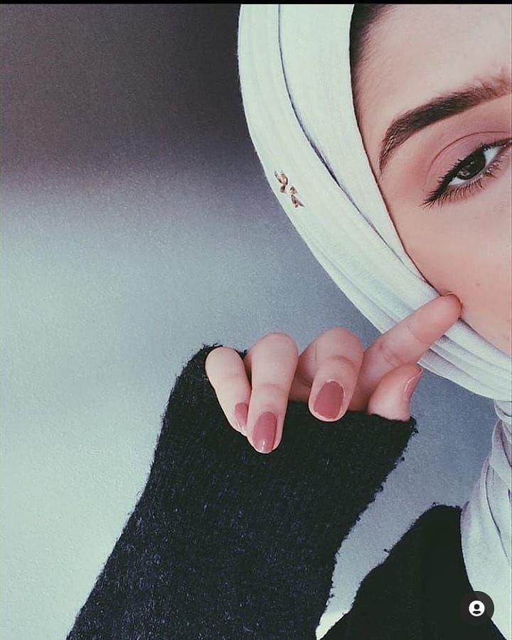 3 130 Likes 21 Comments صور بنات كيوت 19km L On Instagram استمع ثم ابتسم ثم تجاهل In 2021 Girl Photography Poses Photography Poses Women Hijabi Girl