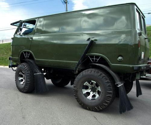 Off-Road Van   Dirty Friday: off-roading vans (41 Photos) » off-road-vans-500-33