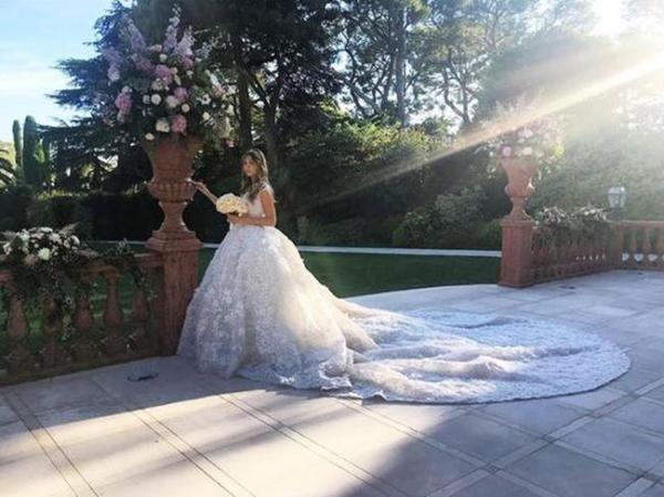 Putri Konglomerat Ini Menikah Pakai Gaun Pengantin Seharga Rp 4 Miliar