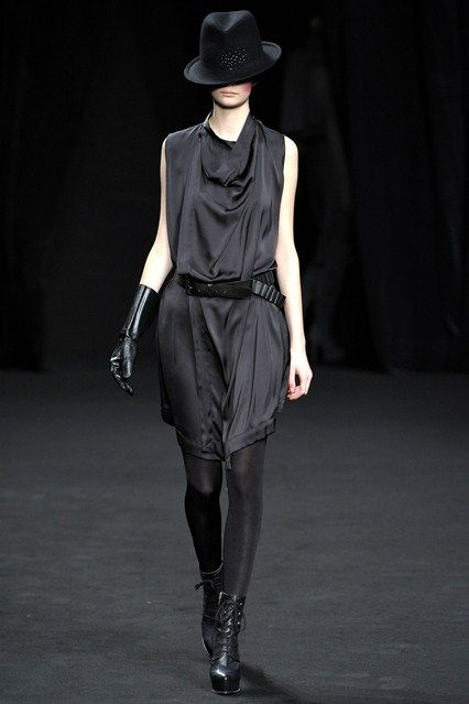 AF Vandevorst - Autumn/Winter 2012-13 Ready-To-Wear - PFW (Vogue.co.uk)
