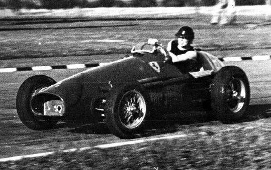 #16 Mike Hawthorn (GB) - Ferrari 500 (Ferrari 4) 4 (6) Scuderia Ferrari